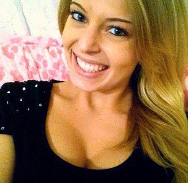 Scharfes Cam Sex Chat Flittchen mit blonden Haaren